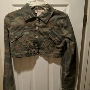 Cropped Camo jacket By Younique JR's Size M